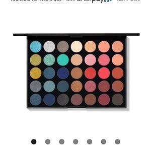 Morphe 35H Hot Spot eyeshadow palette